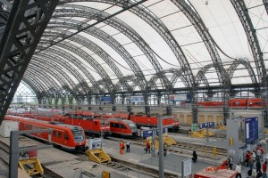 Nahverkehrszüge im Dresdner Hauptbahnhof