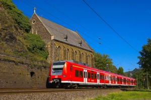 Regionalzug bei Kobern-Gondorf