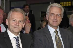 Bahnchef Rüdiger Grube (links) mit Bundesverkehrsminister Peter Raumsauer (CSU)