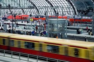 Nahverkehrszüge im Berliner Hauptbahnhof