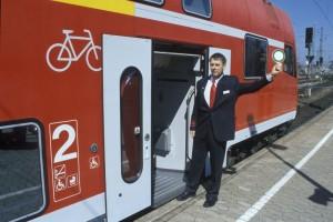 Der Zugbegleiter soll auch im Regionalverkehr wieder selbstverständlich werden