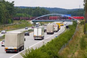 Güterverkehr auf Schiene und Straße