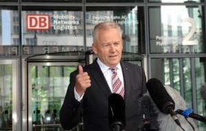 Bahnchef Grube hält an Stuttgart 21 fest