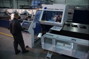 Solaris eröffnet neue Produktionshalle